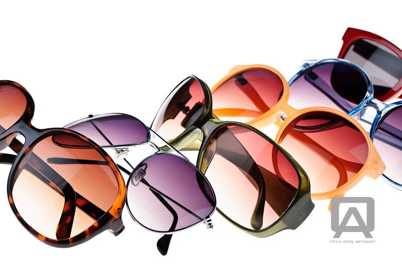 Quem procura óculos de sol, pretende a melhor proteção para a sua visão.  Por vezes, os clientes não sabem bem o que escolher e isso aplica-se às  lentes ... 2855b4dc55